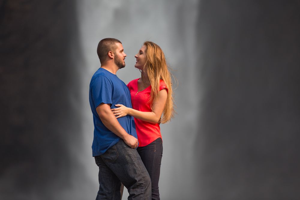 Engagement Photos Snoqualmie Falls Washington 09.jpg