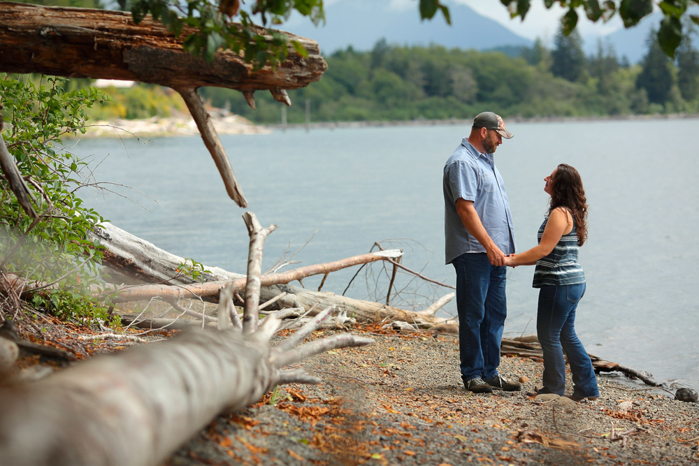 Engagement Photos Lake Quinault Olympic Peninsula Washington15.jpg
