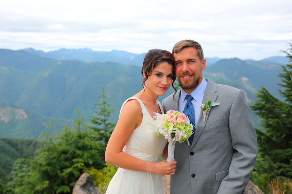 Wedding Photos Mt Rainer Suntop Fire Lookout Washington07.jpg