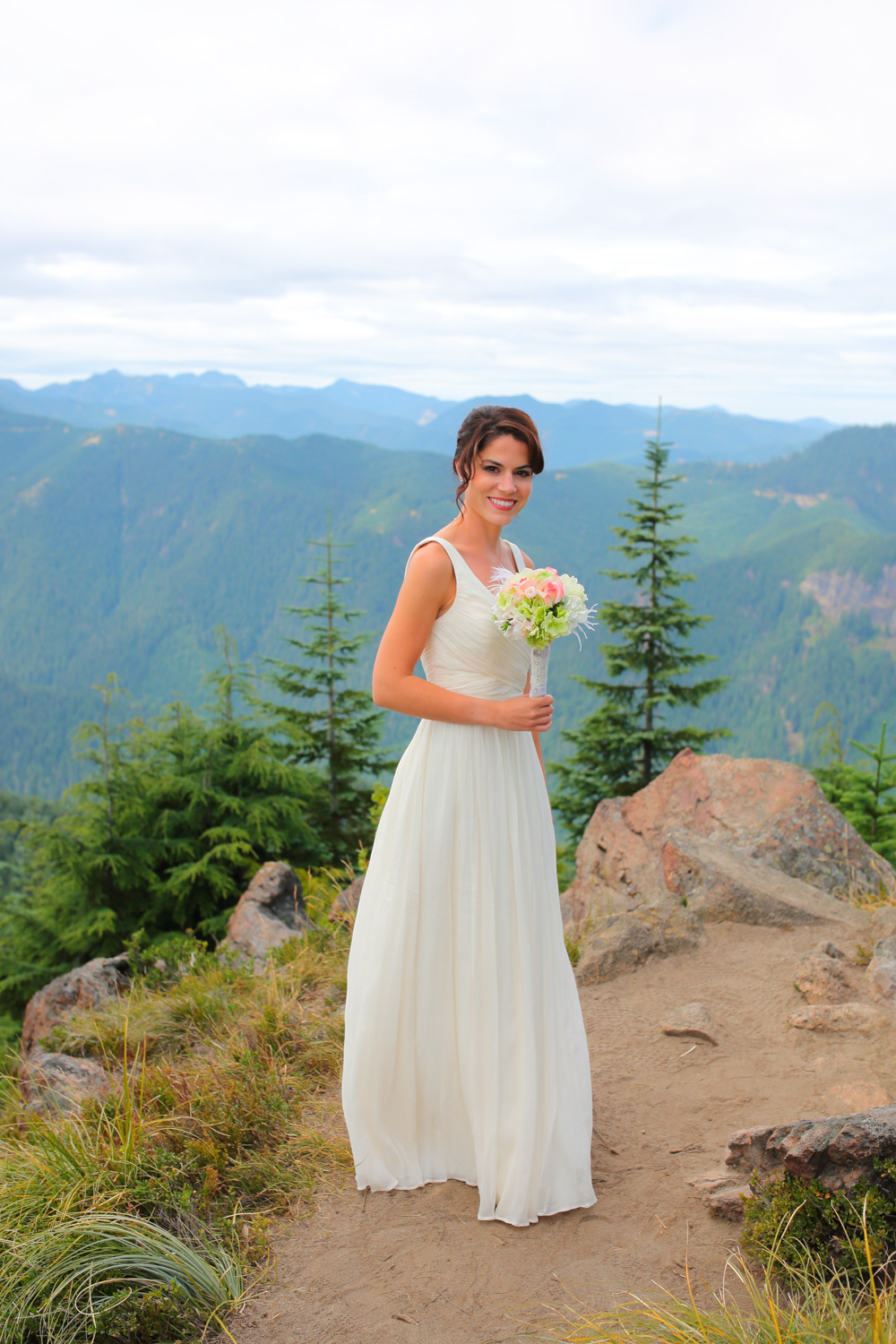 Wedding Photos Mt Rainer Suntop Fire Lookout Washington08.jpg