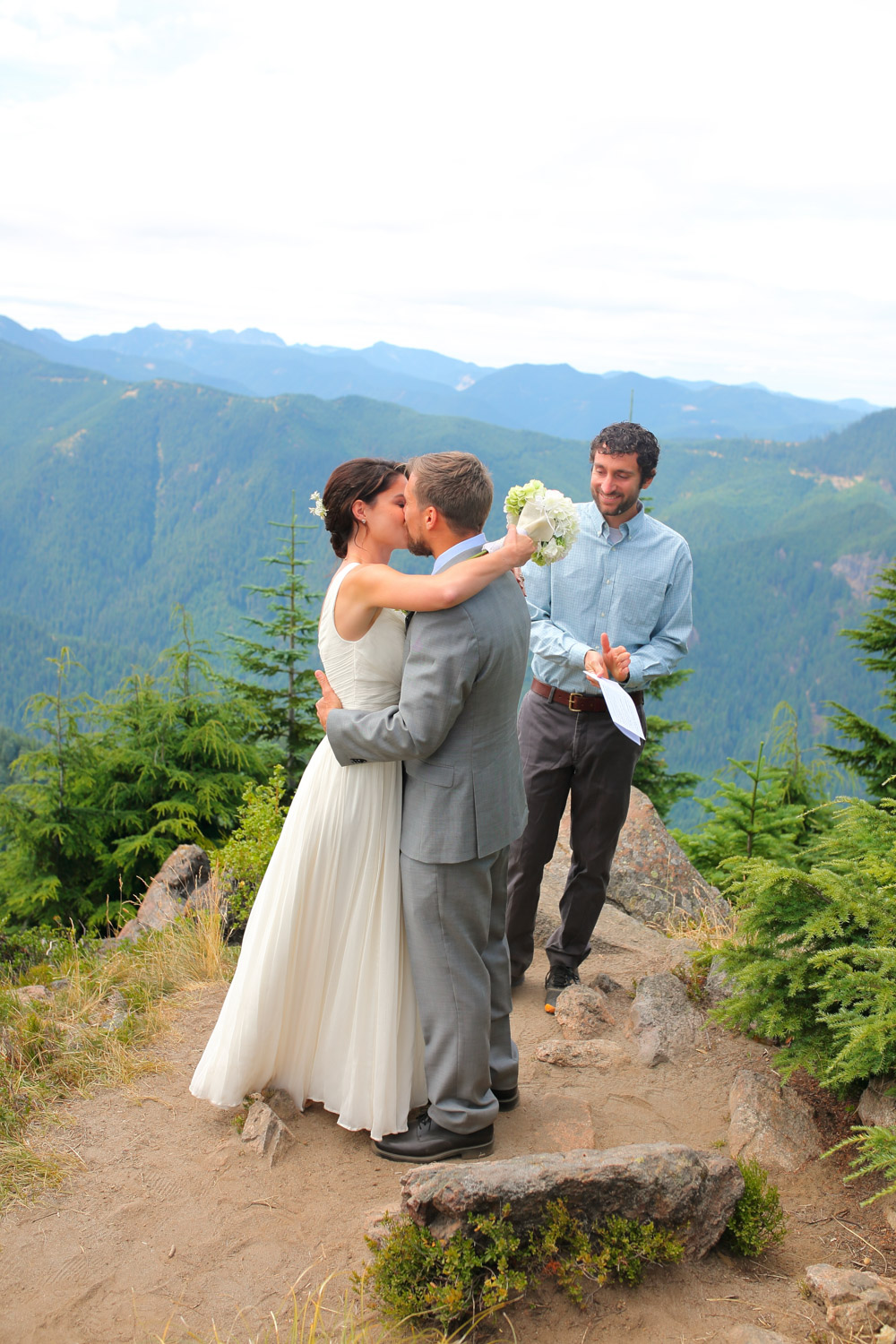Wedding Photos Mt Rainer Suntop Fire Lookout Washington13.jpg