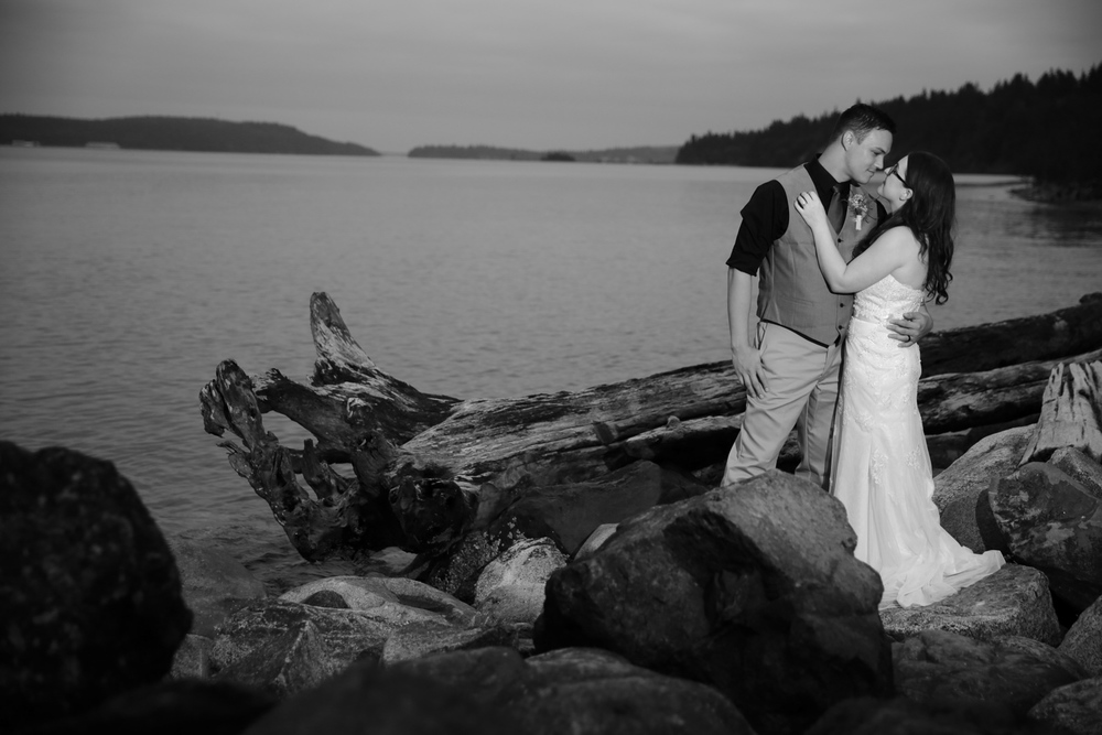 Wedding Photos Friends Cabin Port Townsend Washington08.jpg