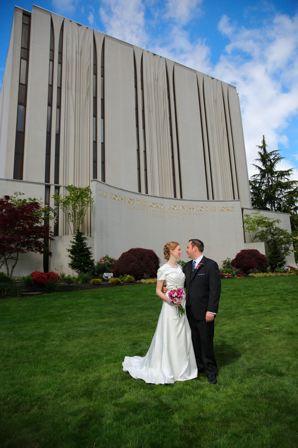 Wedding Photos LDS Temple Bellevue Washington08.jpg
