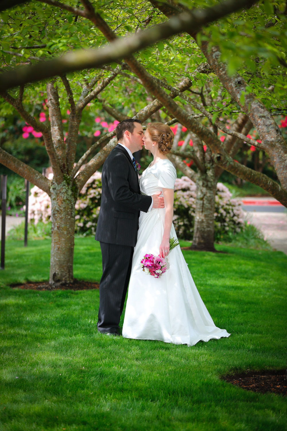 Wedding Photos LDS Temple Bellevue Washington10.jpg