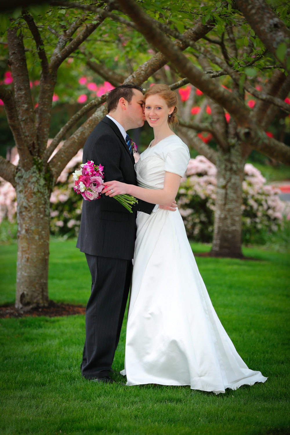 Wedding Photos LDS Temple Bellevue Washington12.jpg