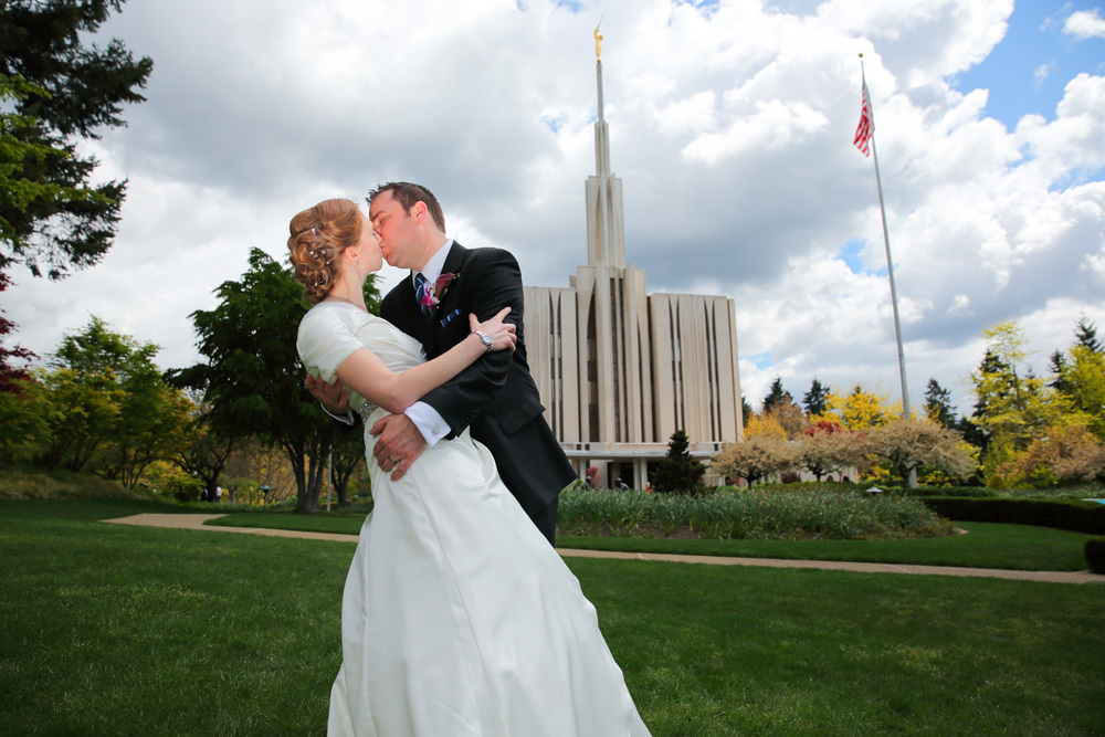 Wedding Photos LDS Temple Bellevue Washington20.jpg