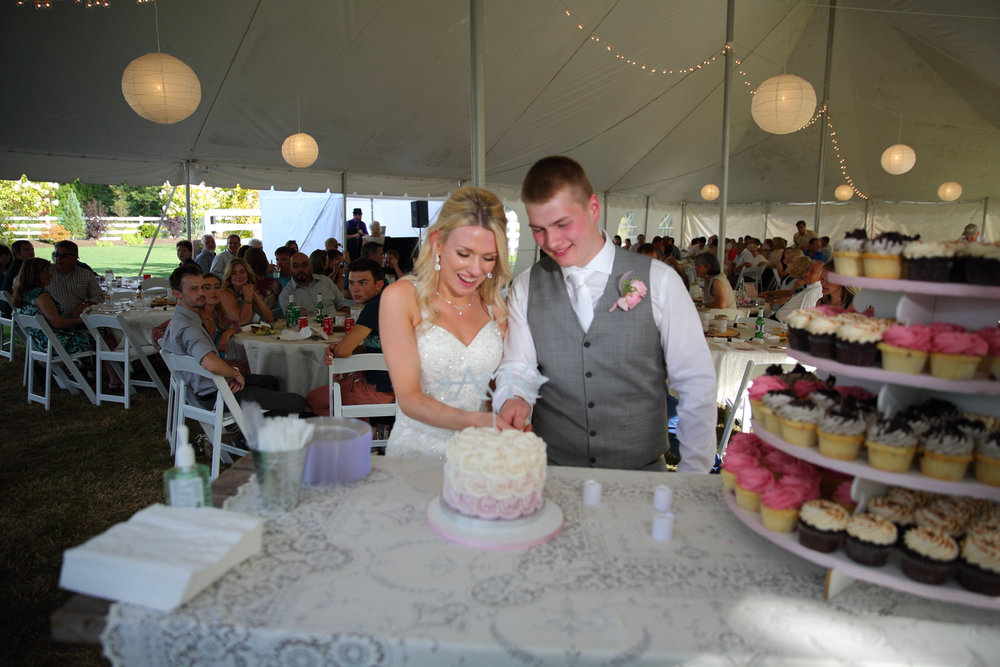 Bride and Groom at Filigree Farms in Buckley Washington