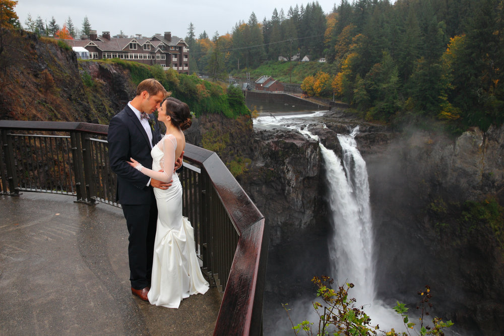 Bride and Groom Snoqualmie Falls