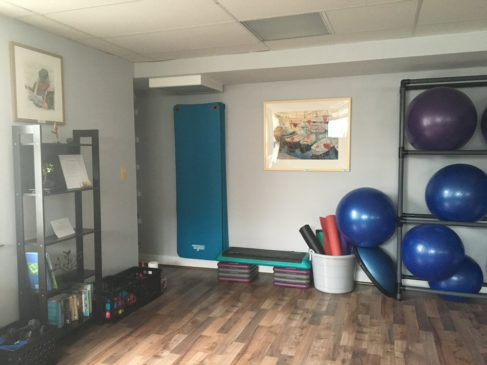 small-classes-in-intimate-studio