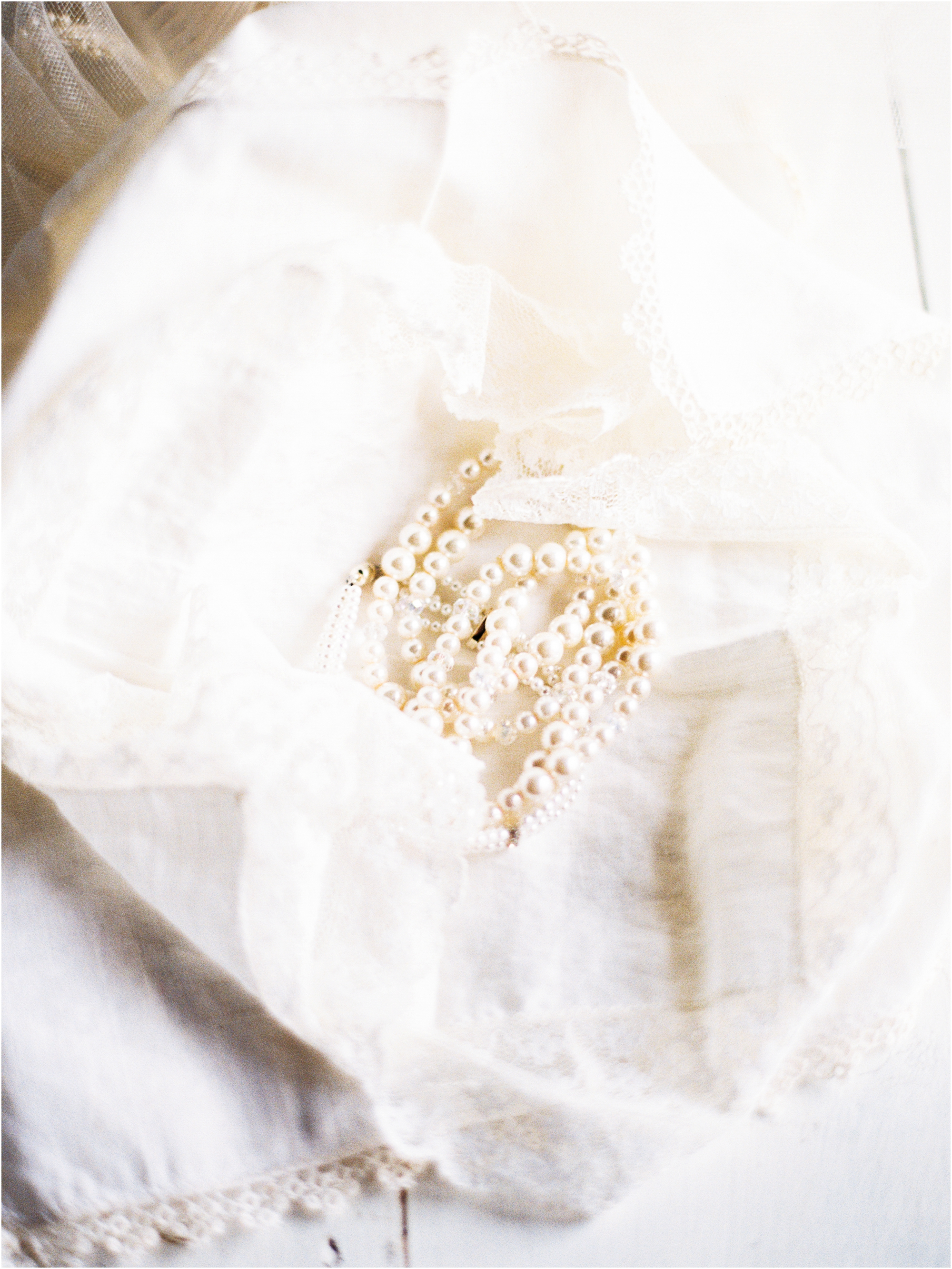 Pearl bracelets for a southern wedding by Jordan Brittley Photography (www.jordanbrittley.com)