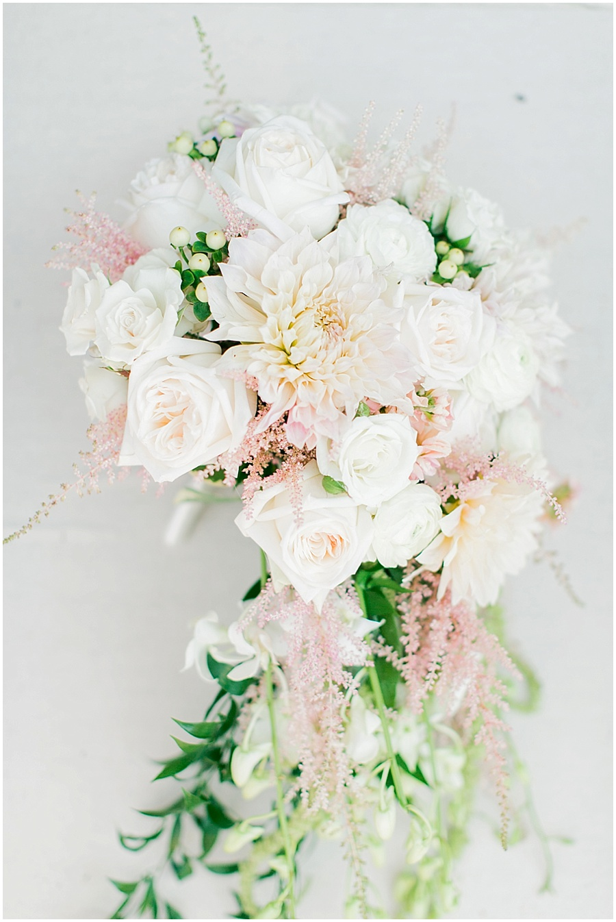 photo tips for light and airy bouquet photo