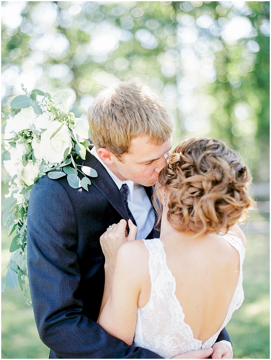weathered wisdom barn wedding photographer