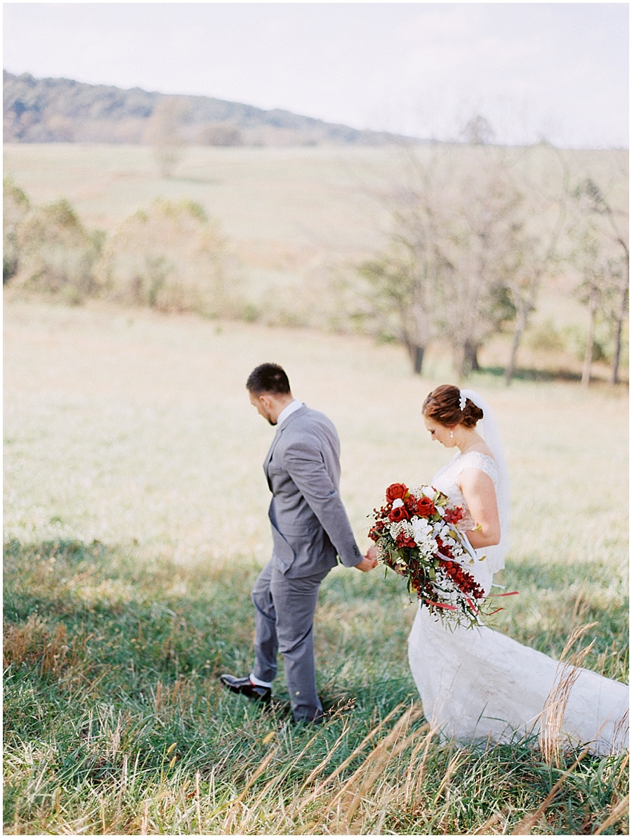 Springfield Missouri Outdoor Wedding Wedding Photos | Light & Airy Photographer