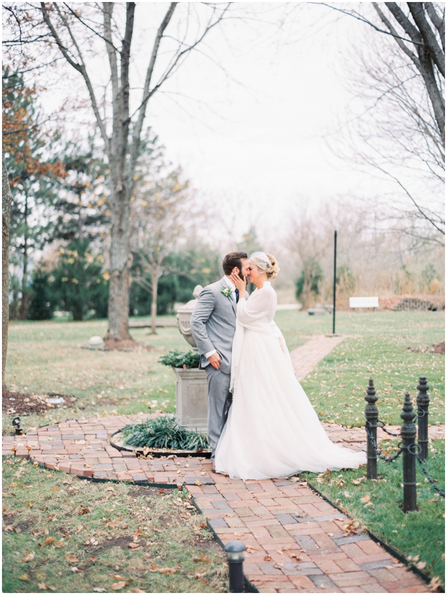 Kansas City Missouri Garden Wedding Photos | Light & Airy Photographer