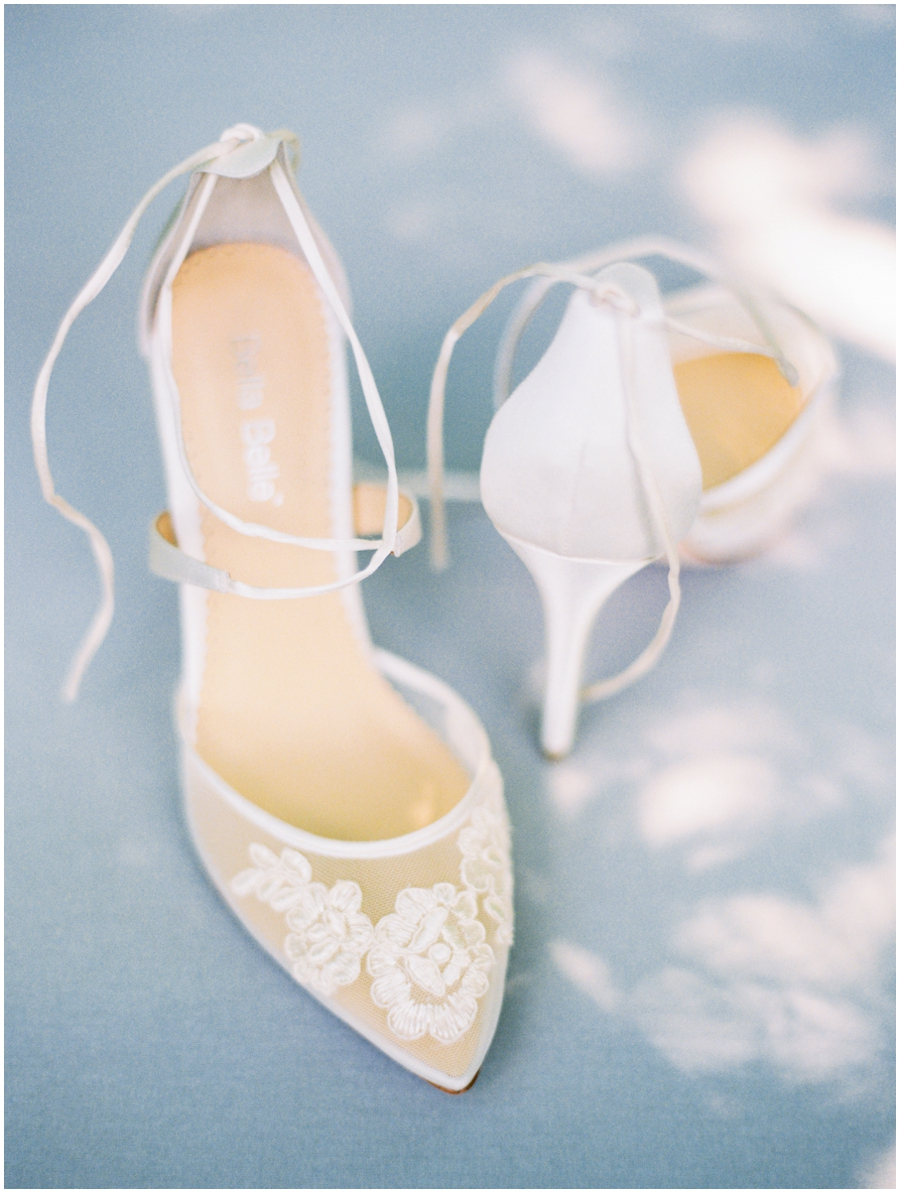 Grafton Illinois Hotel Wedding Photos | Light & Airy Photographer