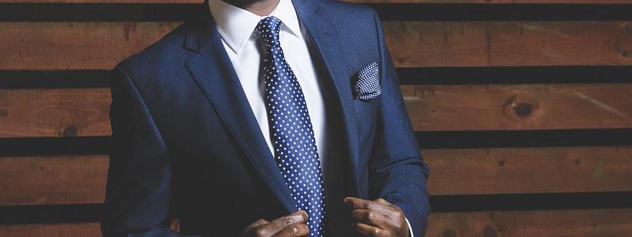 interview dress code - men's suit and tie