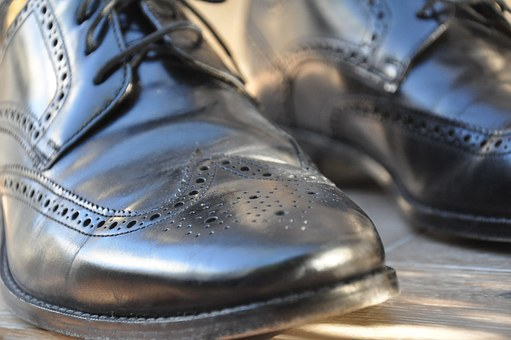 dress code - men's black dress shoes