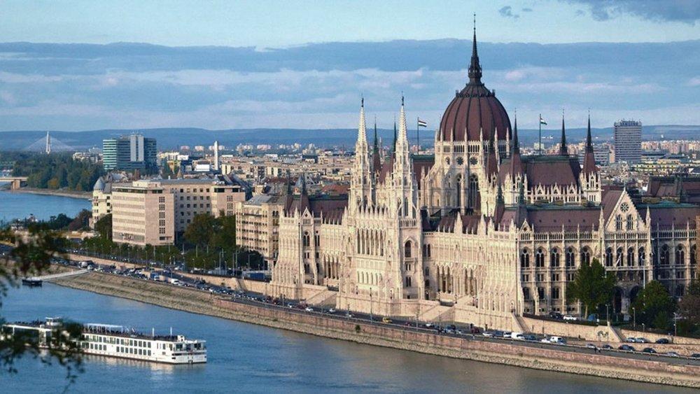 151008094710-insider-guide-budapest--main-super-tease.jpg