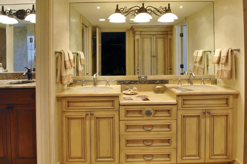 French Bathroom (2).jpg