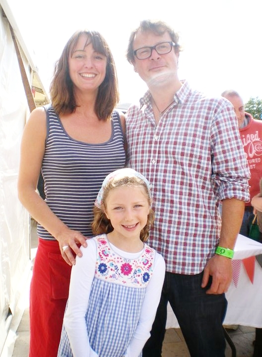 Hugh Fearnley Whittingstall & actress Isabella Blake Thomas visit MM oyster stand.jpg