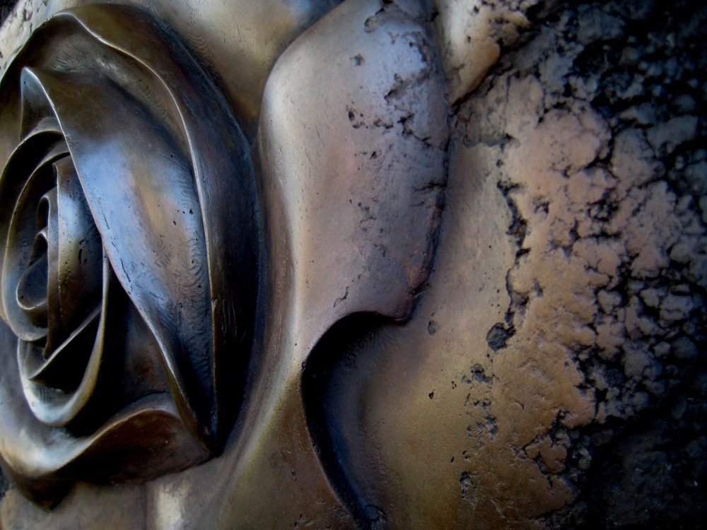 lorne-rose-bronze-detail.jpg
