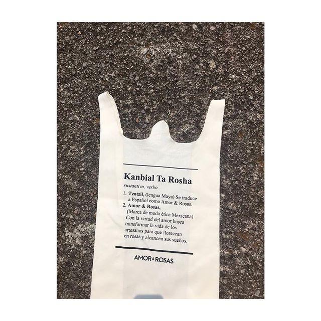 ♻️ Kanbail Ta Rosha means love and roses in Tzotzil, which is the language spoken by the indigenous artisans we partner with in Chiapas, Mexico. In the picture our reusable bag where our products are deliver in an attempt to minimize waste generation. ♻️ ⠀⠀⠀⠀⠀⠀⠀⠀⠀ ⠀⠀⠀⠀⠀⠀⠀⠀⠀ ⠀⠀⠀⠀⠀⠀⠀⠀⠀ ⠀⠀⠀⠀⠀⠀⠀⠀⠀ —⠀⠀⠀⠀⠀⠀⠀⠀⠀ ♻️Kanbail Ta Rosha significa amor y rosas en Tzotzil, que es el idioma hablado por los artesanos indígenas con los que nos asociamos en Chiapas, México. En la foto nuestra bolsa reusable donde nuestros productos son entregados en un intento de disminuir la producción de basura. ♻️ ⠀⠀⠀⠀⠀⠀⠀⠀⠀ ⠀⠀⠀⠀⠀⠀⠀⠀⠀ ⠀⠀⠀⠀⠀⠀⠀⠀⠀ ⠀⠀⠀⠀⠀⠀⠀⠀⠀ —⠀⠀⠀⠀⠀⠀⠀⠀⠀ #wearelove #weareethical #wearefashion #lovetheplanet #reusablebags #recycle