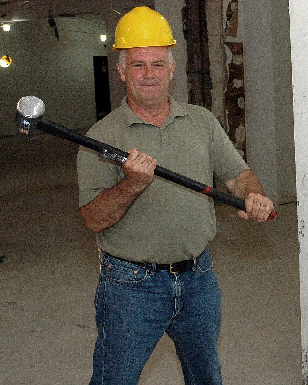 Toma Krasniqi, Contractor