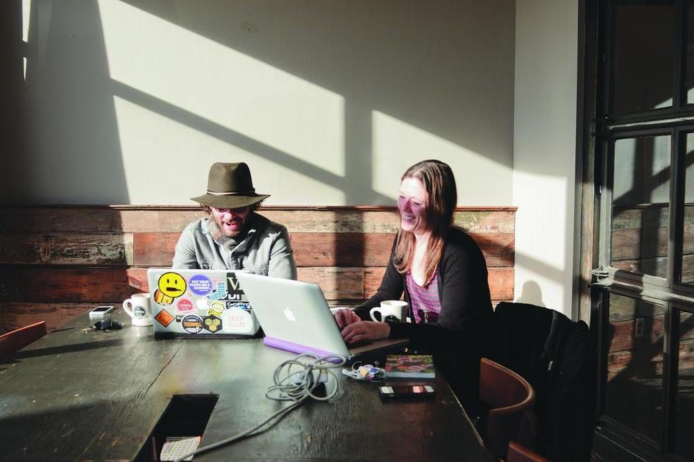 common-desk-jld0654.jpg