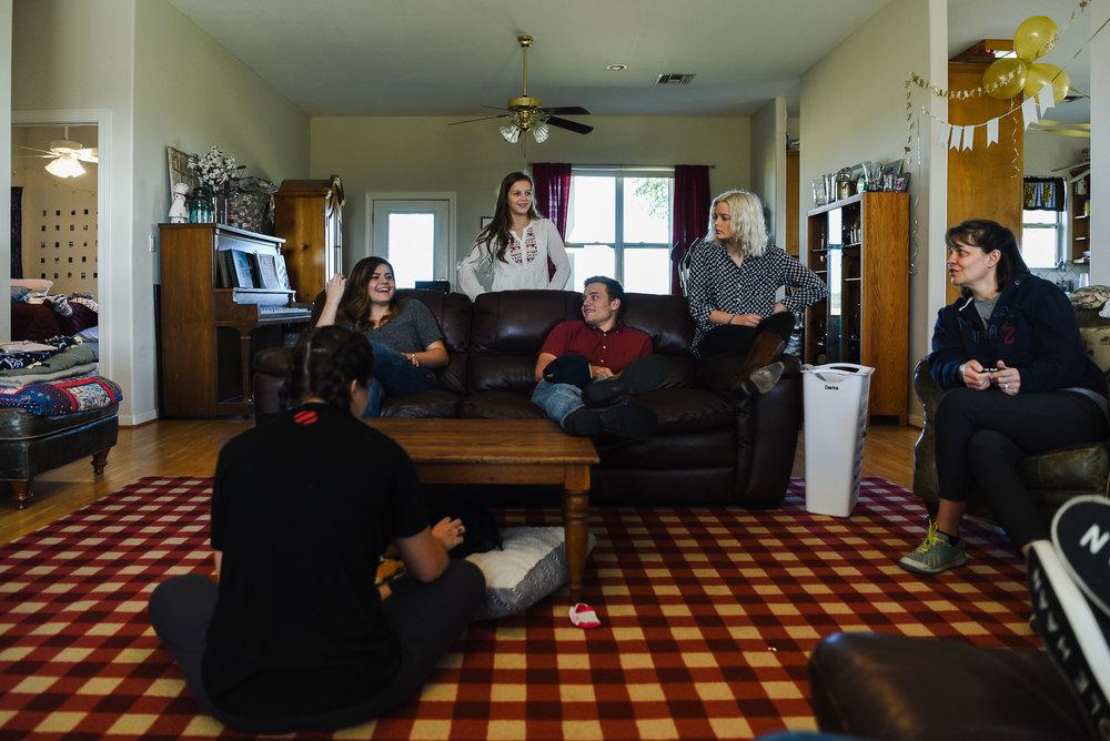 jacquejacksonphotography-familyhangingout.jpg
