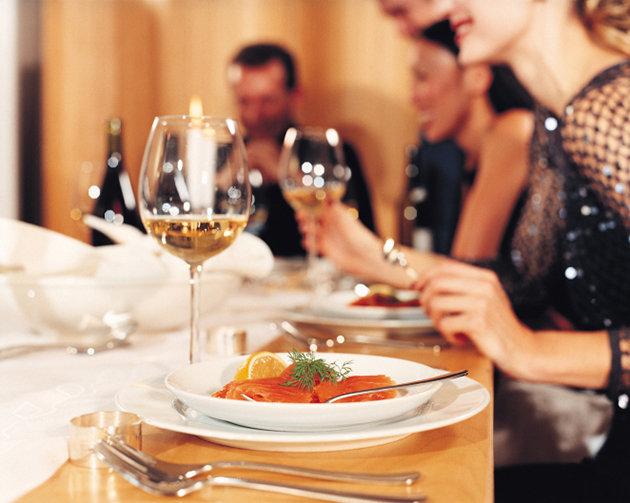 Full Dinner & Hors d'oeurves - From $2999.00