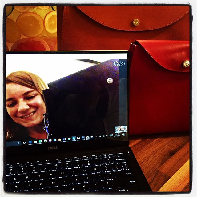 London Calling! TATT development meeting and  #hightea from across the pond with #Pippa and the immensely talented @cnicolstudio 👝 . . #Nyc #london #Pippa #handbag #designers #TATTdevelopment #theaccessorythinktank #britt #friyay #hightea #greatbritain #transatlantic #leather #style #skpye #wework #womenworking #royalty @accessorythinktank @nancybforman #entrepreneur #madeinlondon #instyleuk @instylemagazine @real_simple @selfmagazine @beautyack 👛