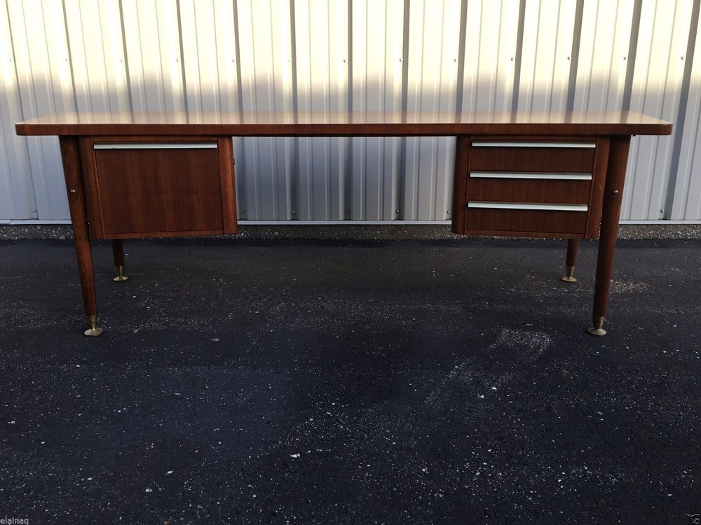 Etonnant This Stow U0026 Davis Executive Desk From The Sigma Series Was Made In 1957.  Seller Believes It To Be Teak. Seller States Itu0027s U0027in Very Good, Solid  Conditionu0027.