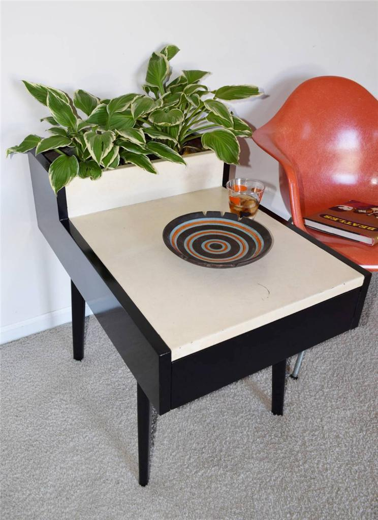 George Nelson Planter Side Table 01