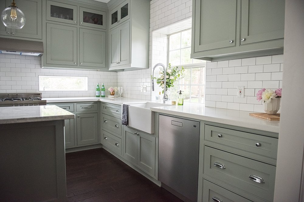 BRIGHT & AIRY KITCHEN RENOVATION, Photography by  Melissa Parsons