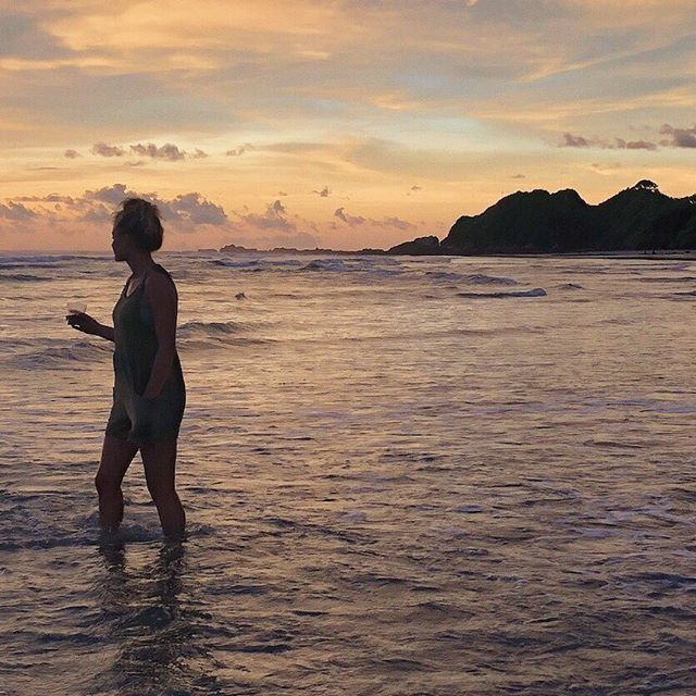 This was week 1 of the 4 I spent away from my work, my computer, and my clients back in September. . This is me in Costa Rica, sipping wine, watching the sun set over the ocean with two of my girlfriends (not pictured). We ended up swimming 'til dark and it was one of my favorite moments of 2018. To experience friendship, freedom, happiness and just the gosh dang beauty of nature all at once... it was blissful and I hope I allow myself to experience and connect with that bliss much more often.