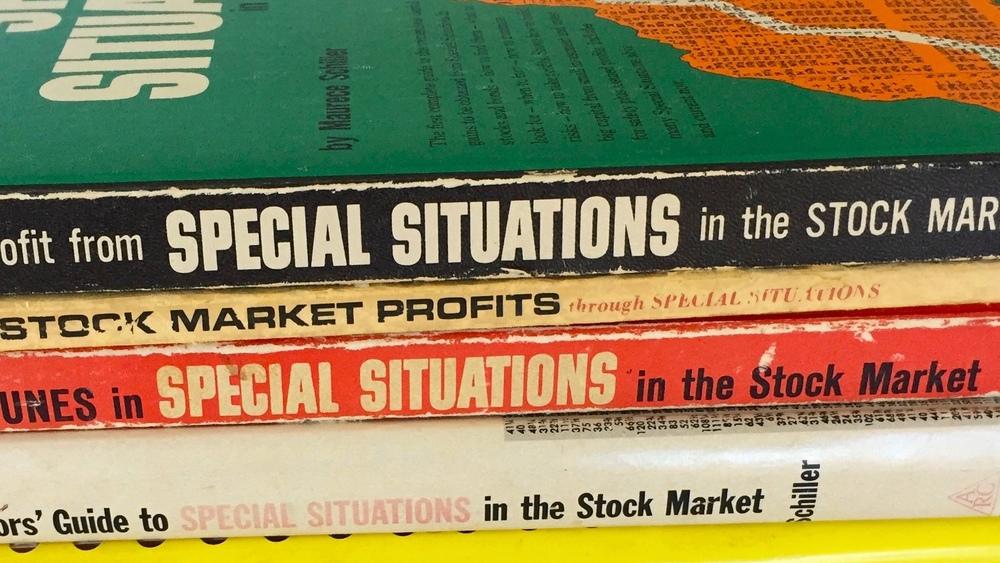Horizontal book stack.jpg
