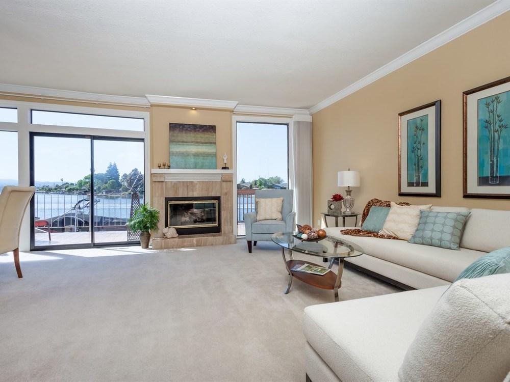 006_Living Room 2.jpg