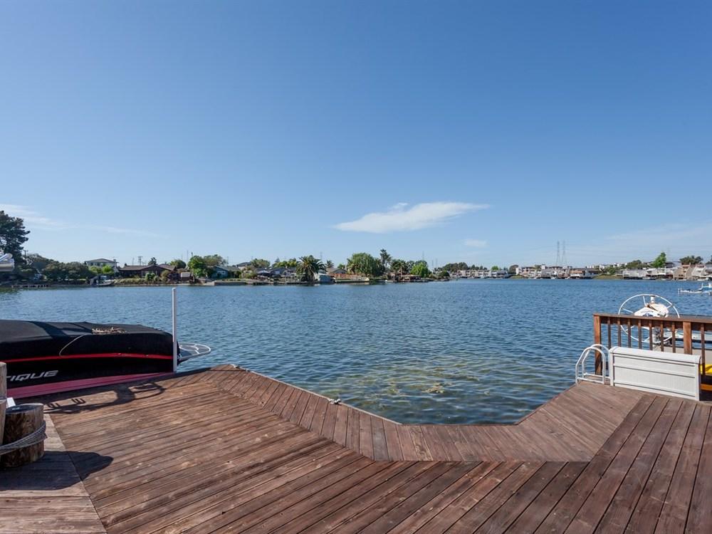 023_Dock.jpg