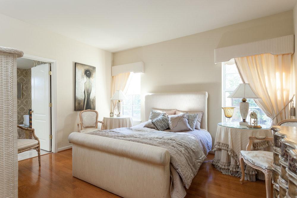 010_Master Bedroom.jpg