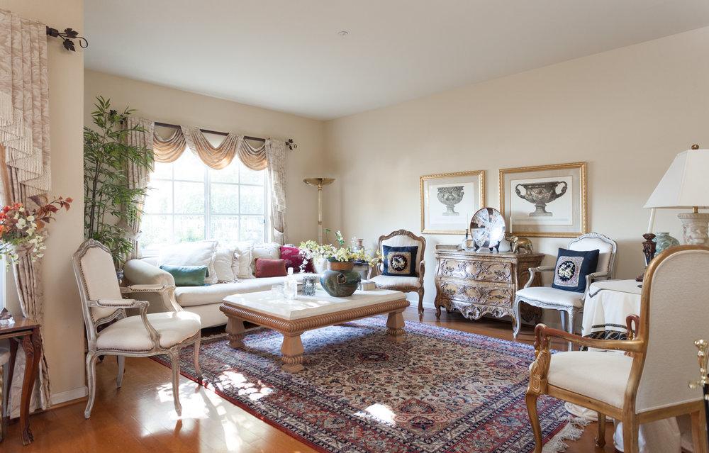 004_Living Room.jpg