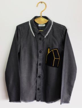 Wolf-Rita-Bernardo-Grey-LS-Shirt-with-House-Patch-61.15-.png