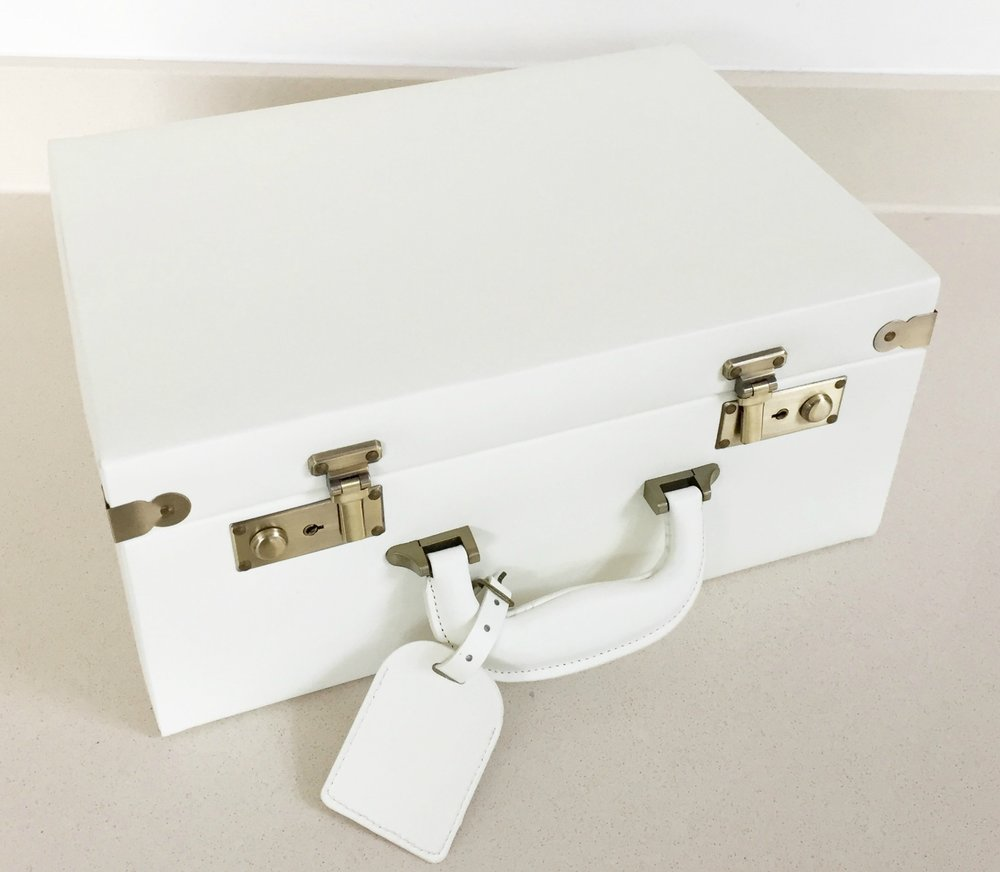 meminio-Small-Memory-Case-in-Cream-£120-www.meminio.com_.jpg
