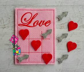 TCPassionateStitches on Etsy Valentine Felt Tic Tac Toe 1, $15-