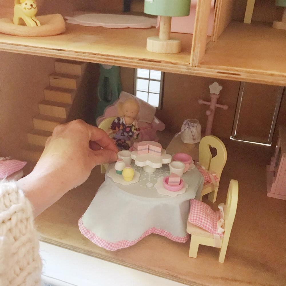 Dollhouse 1.jpg