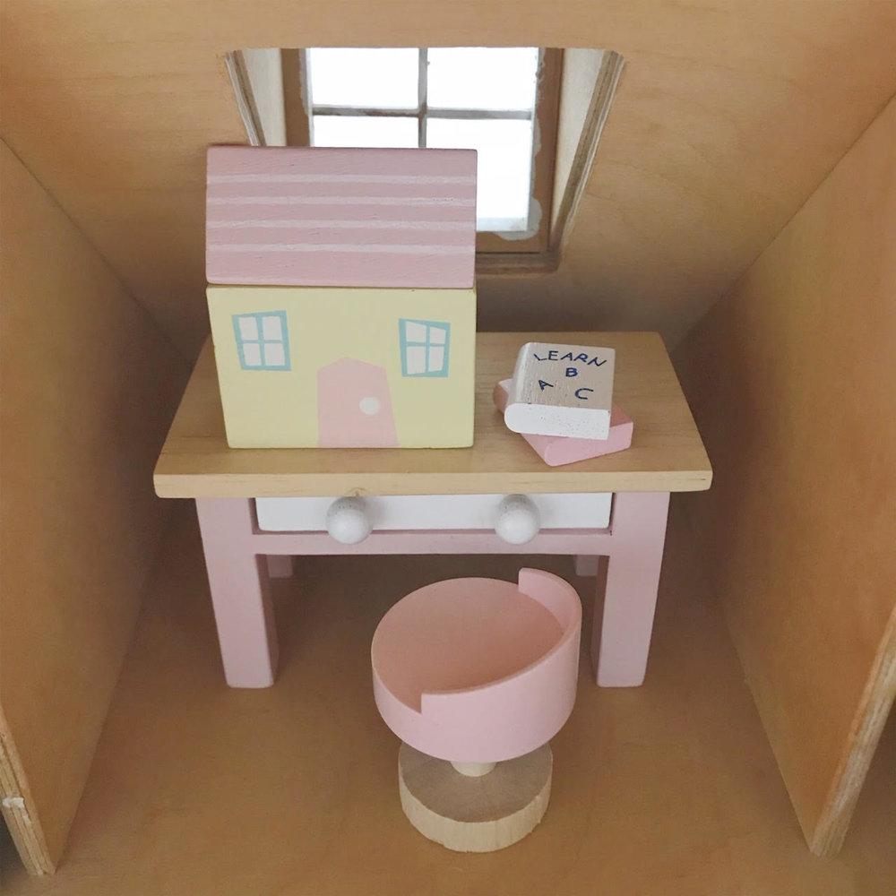 Dollhouse 8.jpg