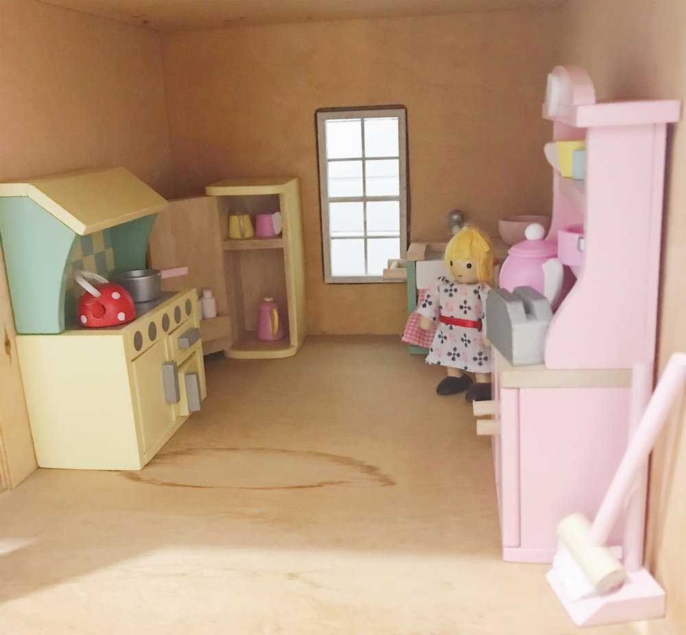 Dollhouse 13.jpg