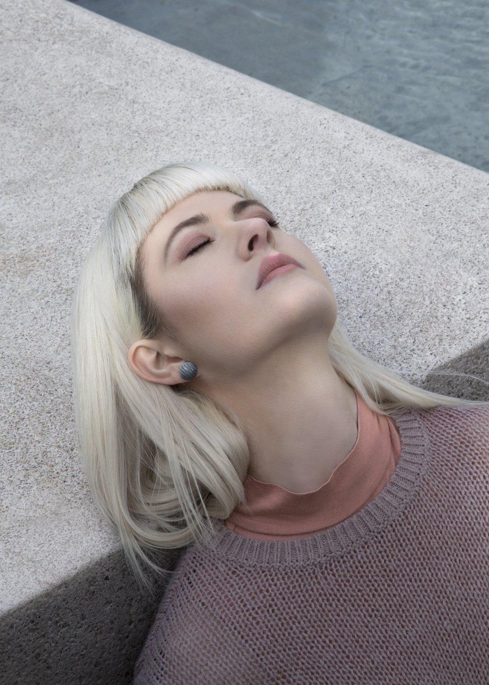 grey earring 3.jpg