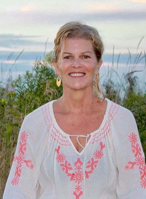 Claudia Rowland