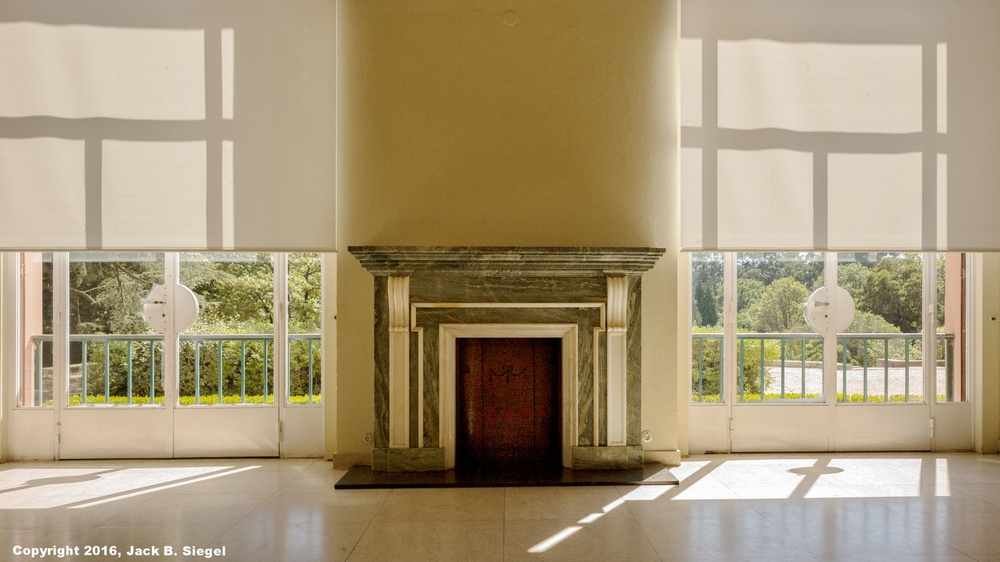 Fireplace in Case de Serralves