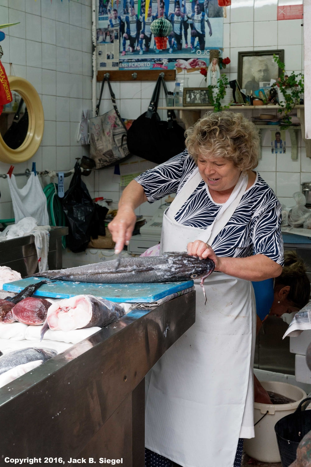 DSC04082_sRGB_CO_Lady Fish Monger.jpg
